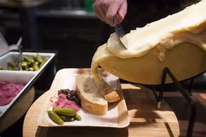 Schweizer Raclette Gerät : photos swiss raclette sandwiches at fromagination dining ~ Orissabook.com Haus und Dekorationen