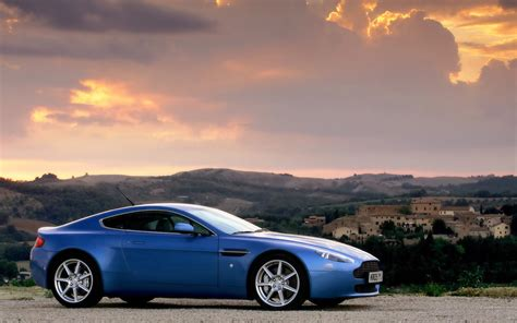 Aston Martin Vantage Wallpapers by Aston Martin V8 Vantage Wallpapers Pictures Images