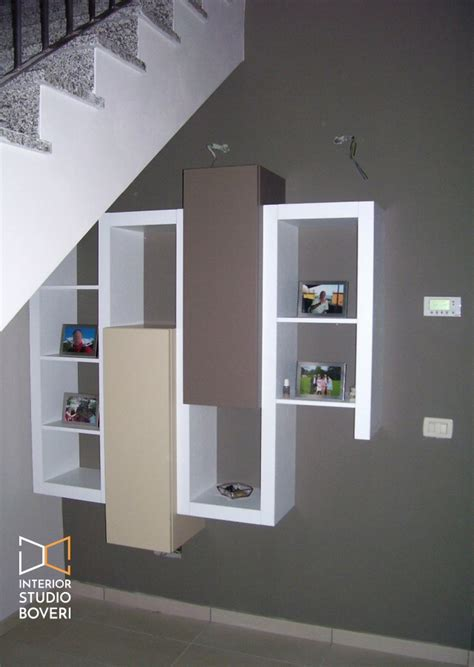 Progettare Una Libreria by Arredamento Sottoscala In Appartamento Moderno A Monza