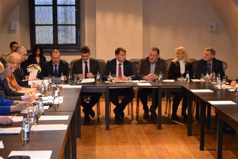 Satiksmes ministrs tiekas ar Latgales plānošanas reģiona ...