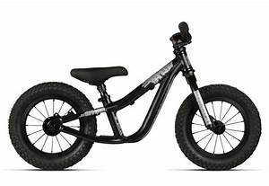 Downhill bikes for kids! The Commencal Supreme DH Junior.