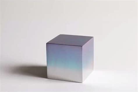 cube ein aluminiumwuerfel und andere revolutionaere