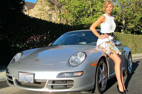 19 Female Celebrities Who Drive The Most Luxurious Cars In