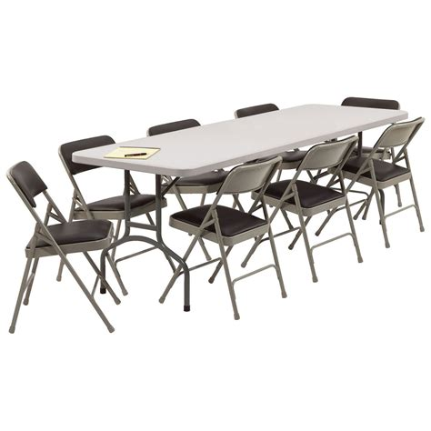 folding table and folding chairs marceladick