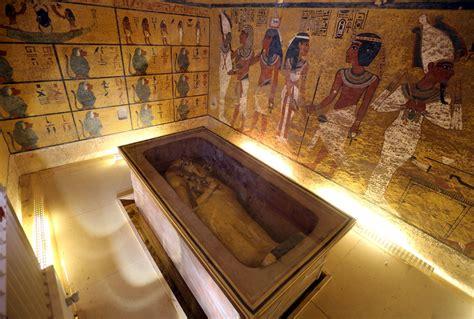 cachee dans la chambre une mystérieuse chambre serait bien cachée dans la tombe