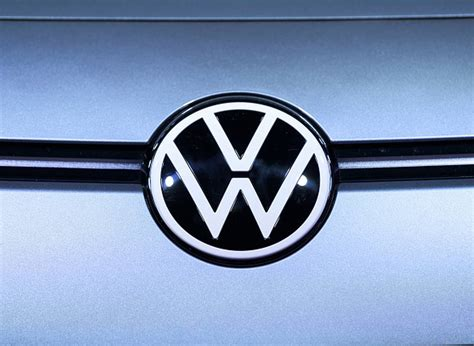 vw unveils  logo affordable electric cars  show