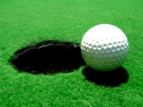 Bola de golf - Wikipedia, la enciclopedia libre