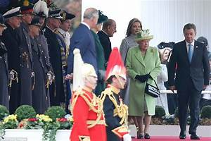 The Queen Leads Royal Welcome For President Juan Manuel ...