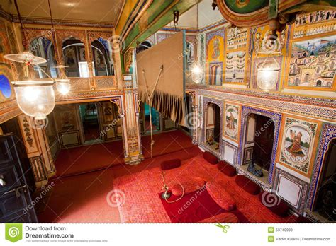 mansion room belongs  rich indian family