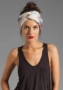 Comment Attacher Ses Cheveux : comment porter un foulard dans ses cheveux trendy mood ~ Melissatoandfro.com Idées de Décoration