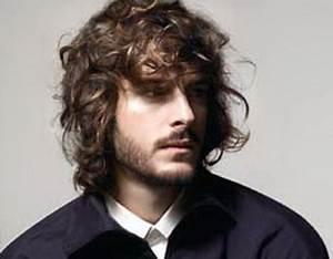 Coiffure Homme Cheveux Bouclés : coiffure homme cheveux long ~ Melissatoandfro.com Idées de Décoration