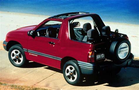 Chevrolet Tracker Convertible  1999, 2000, 2001, 2002