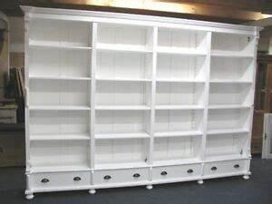 Ladeneinrichtung Gebraucht Kaufen : gro e ladeneinrichtung shabby chic weiss b cherschrank ~ A.2002-acura-tl-radio.info Haus und Dekorationen