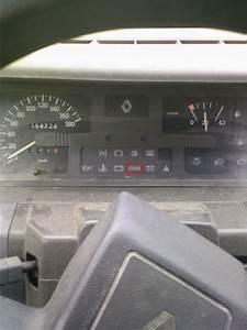 Voyant Volant Rouge : voyant rouge auto titre ~ Gottalentnigeria.com Avis de Voitures