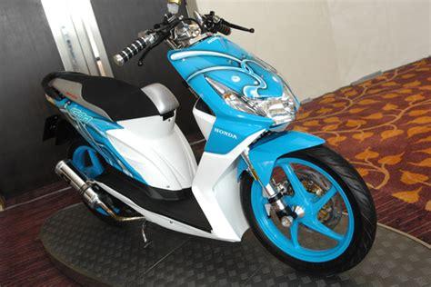 Stiker Motor Beat Warna Biru Muda by 2011 Honda Beat Modified With Trends Color