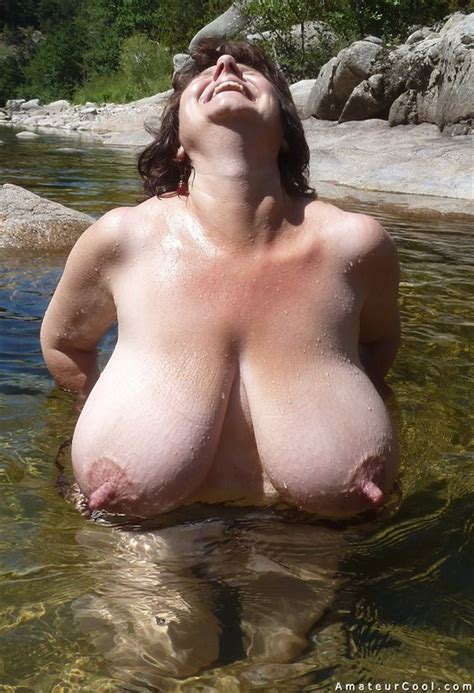 Giant Monster Tits Wife Shows Her Juicy Melons Amateur Cool