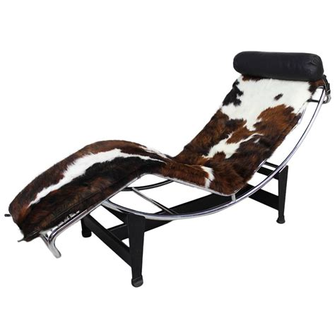 leather chaise lounge le corbusier lounge chair at 1stdibs