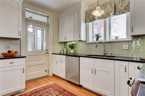 modern crown molding for kitchen cabinets shaker cabinets and crown molding modern kitchen