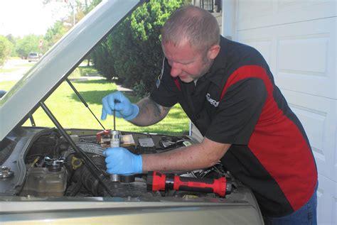 mobile mechanics diagnose  fix cars  owners homes