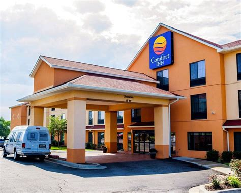 comfort inn airport comfort inn kansas city airport deals reviews kansas