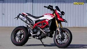 Ducati Hypermotard 939 Sp : ducati hypermotard sp 939 2016 first test ride track road and rain onboard youtube ~ Medecine-chirurgie-esthetiques.com Avis de Voitures