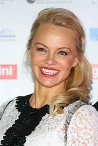Pamela Anderson - Pamela Anderson Foundation Gala in ...