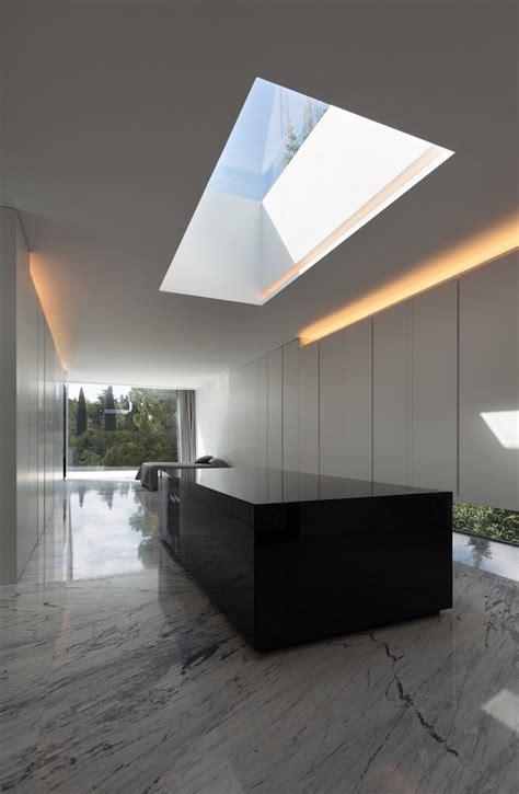 aluminum house  fran silvestre arquitectos elusive