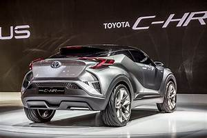 Leasing Toyota Chr : blue chilli cars the brand new toyota ch r crossover ~ Medecine-chirurgie-esthetiques.com Avis de Voitures