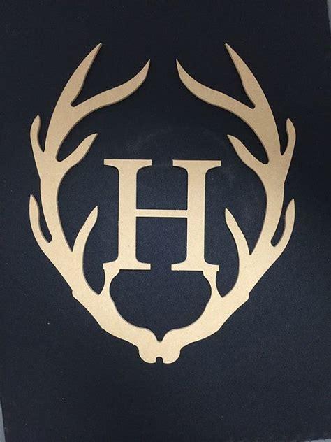 letter  brand  deer horns google search antler monogram monogram door hanger deer decor