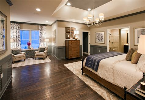 Decorating Ideas For Master Bedroom Sitting Area