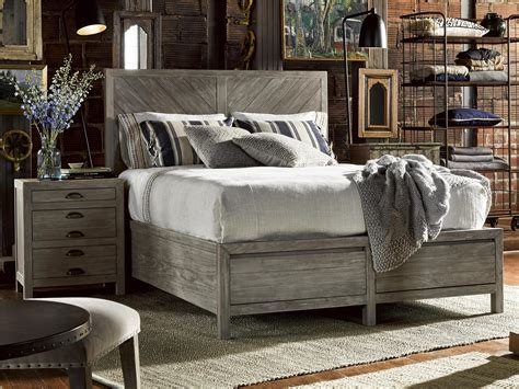 Universal Furniture  Curated  Biscayne Bed (queen