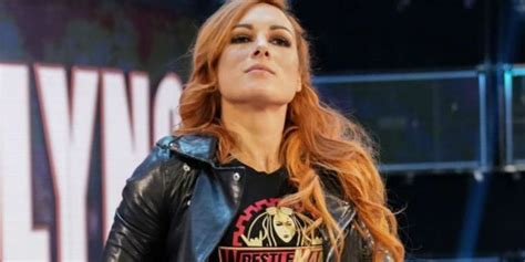 report becky lynch offered  wwe contract