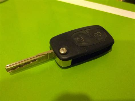 audi  keyless entry battery replacement instructables