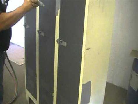 decapage par aerogommage d une armoire metallique