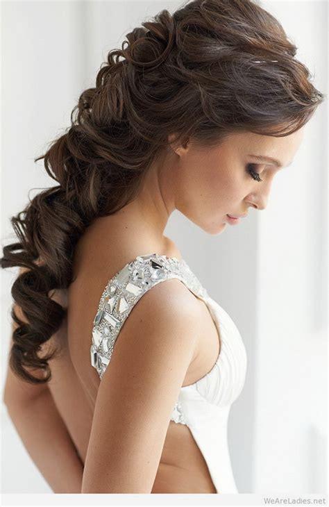hairstyles  shoulder dress