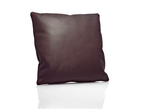 Cuscini Pelle Cuscino In Pelle O In Tessuto Fabrics By Dedon