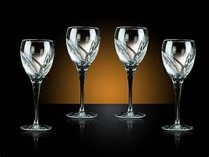Service De Verre En Cristal : ambiance verre a vin cristal vaisselle maison ~ Teatrodelosmanantiales.com Idées de Décoration