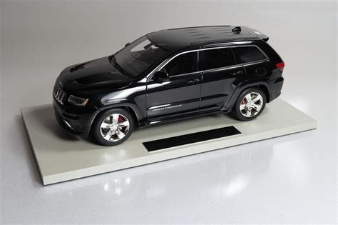 cherokee jeep srt8 top marques collectibles jeep grand cherokee srt8 1 18