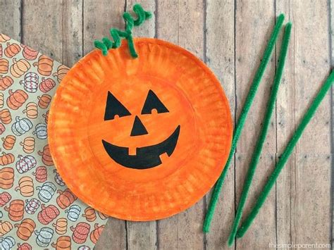 Easiest Paper Plate Pumpkin Craft! • The Simple Parent