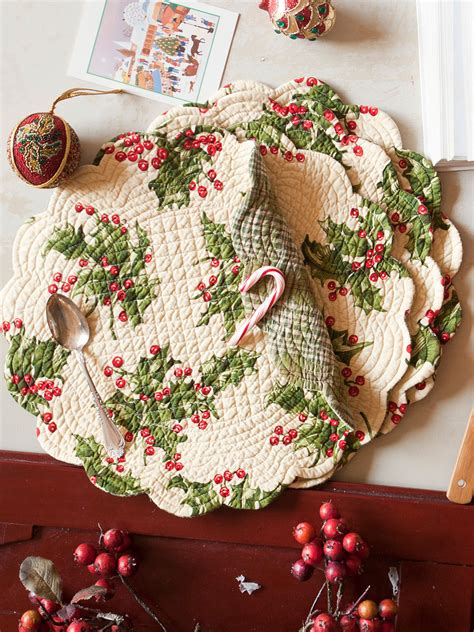 holly quilted  placemat kitchen table linens