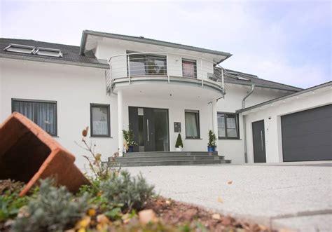 Einfamilienhaus Kompaktes Ziegelhaus Mit Erdwaermepumpe by Exklusives Landhaus Mit Mz7