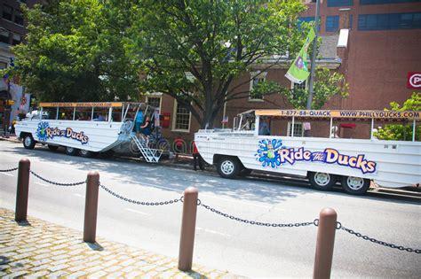 Duck Boat Tours In Philadelphia by Philadelphia Duck Boat Tours Redactionele Stock