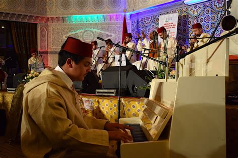 music andalusian fez festival moroccan cultures 25th morocco celebrates across annual pianist plays traditional band local during
