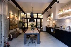 Cuisine Style Industriel Vintage : loft aux touches tr s masculines amsterdam vivons maison ~ Teatrodelosmanantiales.com Idées de Décoration
