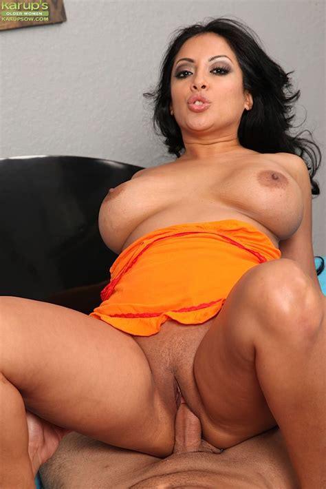 Busty MILF Latina Kiara Mia enjoys nasty hardcore action ...