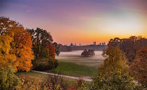 Herbst Im Englischen Garten by Der Herbst In M 252 Nchen Der Blauen Stunde