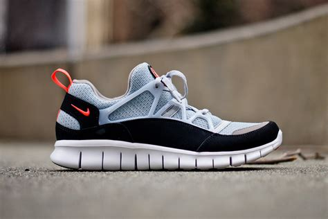 Nike Free Huarache Light 301 moved permanently