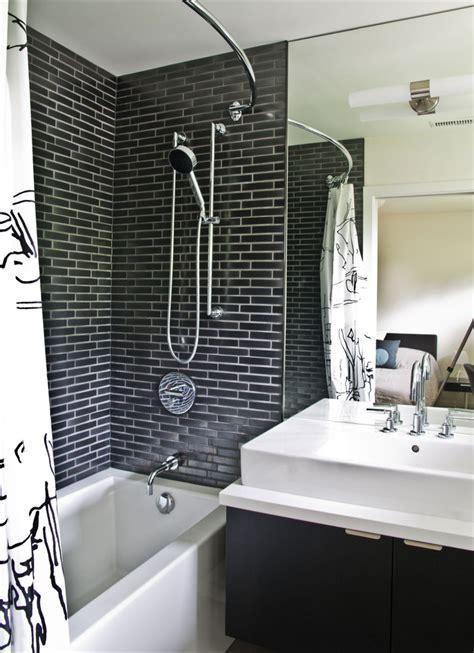 Badezimmer Modern Schwarz by Modernes Badezimmer Schwarze Badfliesen Badewanne