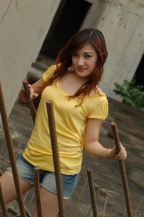 Cute Indonesian Model Girls Hairstyles For 2011 Cute Indonesian Model Girls
