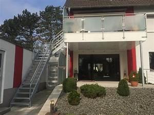 edelstahl balkongelander mit treppe in den garten balkone With französischer balkon mit garten wendeltreppe